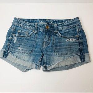 AMERICAN EAGLE women's shorts denim distressed 00